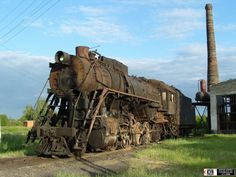 A new favorite thing: rusty old trains!