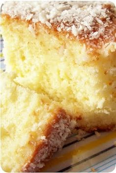 the world is a baking dish: coconut milk cake Portuguese Desserts, Portuguese Recipes, Food Cakes, Cupcake Cakes, Cupcakes, Cake Cookies, Sweet Recipes, Cake Recipes, Dessert Recipes