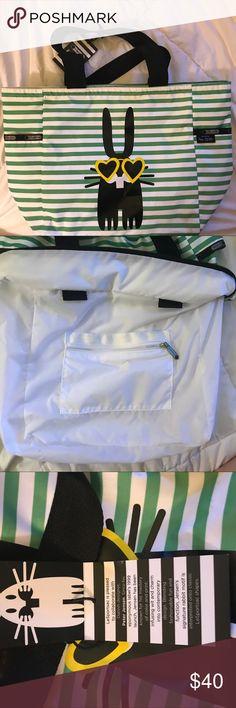 PETER JENSEN TOTE • Lesportsac Super cute chic Peter Jensen Tote LeSportsac Bags Totes