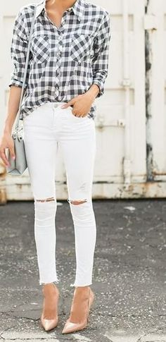 Flannel and white skinny jeans, plaid and white skinny jeans