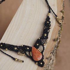 #Makramee #kette #halskette #jaspis #jewelry #schmuck #necklace #makrame #macrame #micromacrame #berlinfashion #berlin #madewithlove #madeinberlin #fromberlin #holz #gemstone #edelstein #perlen #beads #macramelove #kunsthandwerk #selfmade #black #gold #sonya6000 #sonyalpha6000 #handmade #handmadejewelry #handgemacht