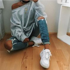 Loose round neck long-sleeved sweater Outfits 2019 Outfits casual Outfits for moms Outfits for school Outfits for teen girls Outfits for work Outfits with hats Outfits women Looks Style, Looks Cool, Mode Outfits, Winter Outfits, Teen Outfits, Urban Outfits, Spring Outfits, Vêtement Harris Tweed, Teen Fashion