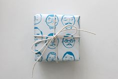 Papel imprimible pensado para regalos a chicos o papás //DIY Printable : Father's Day Wrapping Paper — Evie Barrow