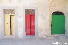 malta/city-village/balzan/traditionnal-maltese-doors-in-balzan.