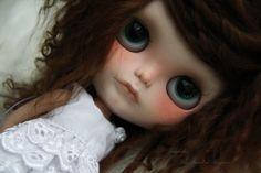 Soleane custom blythe doll par Taradolls sur Etsy, €975.00