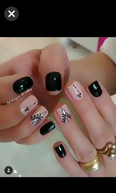 Top CASA 201832 Easy Nail Art Hack For Perfect Manicure By applying a single coat, you will have a hard time making a dirty mess. Love Nails, How To Do Nails, Pretty Nails, Short Nail Designs, Nail Art Designs, Stylish Nails, Nagel Gel, Short Nails, Manicure And Pedicure