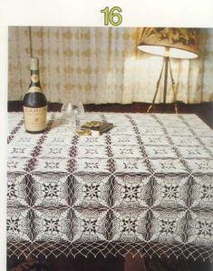 crochet tablecloth - Another nice motif Crochet Motif Patterns, Crochet Diagram, Crochet Squares, Filet Crochet, Crochet Designs, Crochet Bedspread, Crochet Tablecloth, Crochet Doilies, Yarn Thread