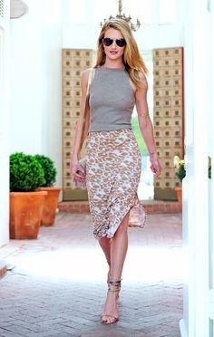 Rosie Huntington-Whiteley classic style 《casual 《smartdressing 《neutrals 《style