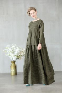 maxi linen dress in sage green and white loose fitting dress maxi linen dress in sage green and white loose fitting dress Abaya Fashion, Modest Fashion, Fashion Dresses, Linen Dresses, Cotton Dresses, Casual Dresses, Kaftan, Tuck Dress, Wedding Dress