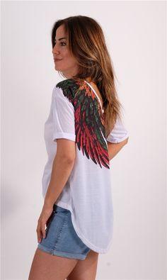 Beyaz Sırtı Zincir Detaylı Ve Kanat Desenli TshirtKumaş Cinsi  :%100 CottonModelin Ölçüleri : 1.74 cm / 36 BedenModelin Üstündeki Beden :SmallYıkama Talimatı:Ürünün iç etiket bölümünde gerekli yıkama talimatı yer almaktadır. Shirt Dress, T Shirt, Dresses, Fashion, Supreme T Shirt, Vestidos, Moda, Shirtdress, Tee