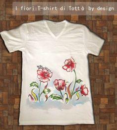 Tottò by design - T-shirt dipinte a mano - Maglietta con fiori disegnati a mano