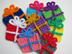 1pc 3.5 Crochet GIFT BOX Applique by PinkMeStudio on Etsy