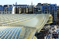 Se inaugura la enorme y espectacular cubierta de Les Halles, el viejo mercado de abastos de París