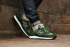 This holiday season brings two brand new editions of the 670 from New Balance. Crafted at the brand's renowned Flimby factory and marked with Union Jack tongue insignia, the releases feature classic c...