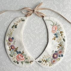 Path to your charm Embroidery On Clothes, Silk Ribbon Embroidery, Embroidery Art, Embroidery Stitches, Embroidery Patterns, Machine Embroidery, Sewing Patterns, Collar Designs, Lana