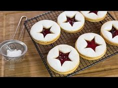 Linzer s džemom - video recept JamilaCuisine Romanian Desserts, Romanian Food, Sweets Recipes, My Recipes, Cookie Desserts, Cookie Recipes, Biscuits, Bulgarian Recipes, Cakes And More