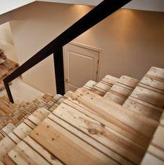 Escaleras construídas con viejos palet // #stairs #pallet #reuse