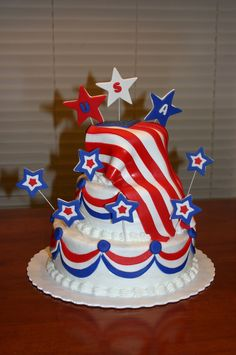 Stars And Stripes Deployment cake. Yellow Cake with buttercream icing and fondant trim. Fondant Cakes, Cupcake Cakes, Cupcakes, Fourth Of July Cakes, July 4th, Military Cake, Avenger Cake, Striped Cake, Independance Day