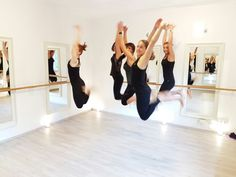 Barreworkout Düsseldorf's happy Team / Studio for Barre workout / Xtend Barre / Balletfitness / balletworkout / Weightloss Workout  Fitness / Pilates / Lifestyle / Happy ladies / Fit mums  #pilateszeit #pilates #düsseldorf #pilatesstudiodüsseldorf #trainingdüsseldorf #barreworkout #barreworkoutdüsseldorf #barrestudiodüsseldorf #balletfitness #ballett #balletworkout #workout #weightloss #fitmum #health #beautiful #amazing #cardiobarre #cardiotraining #lifestyle #ladies #sportsfashion…