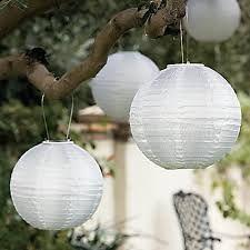 White Garden #KwantumTuinactie -verlichting voor in boom