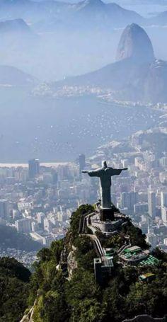 Rio, Brasilien.  Jetzt bei Readly lesen:   Lonely Planet September 2016 - Seite 107