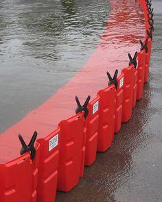 Flood Control International is the UK Distributor for the NOAQ Boxwall flash flood barrier. Survival Life Hacks, Camping Survival, Survival Skills, Burm Landscaping, Landscaping Design, Diy Design, Flood Mitigation, Flood Prevention, Gardens