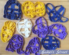 #etsy shop: Custom Portrait Cookie Cutter l Personalized cookie cutter l Custom gift l Face cookie cutter Unique Birthday Gifts, Unique Gifts, Wedding Gift Messages, Personalized Cookies, Gift Certificates, Cookies Et Biscuits, Portrait, Customized Gifts, Cookie Cutters