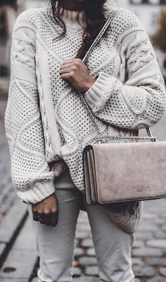 oversized+knit+sweater+++bag+++white+jeans