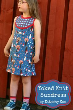 Kitschy Coo: Tutorial: Yoked Knit Sundress for the '30 Days of Sundresses Series' aanpassing van tank top patroon, lijkt heel simpel