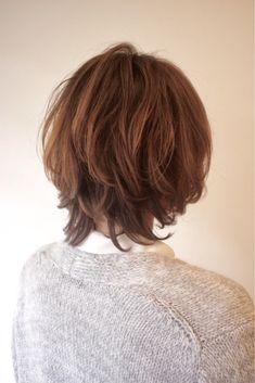ボブに飽きた方にオススメのレイヤースタイル。 Hair Cuts, Turtle Neck, Fashion, Haircuts, Moda, Fashion Styles, Hair Style, Fashion Illustrations, Haircut Styles