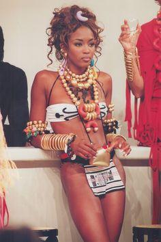 Catwalk Queen: Naomi Campbell's Runway Evolution Top Models, Black Models, Women Models, Naomi Campbell 90s, 90s Fashion, Fashion Models, Celebrities Fashion, Black Girl Aesthetic, Mädchen In Bikinis