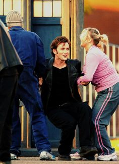 If I could, I would drag him off too. All the lovely Tennant just for moi.
