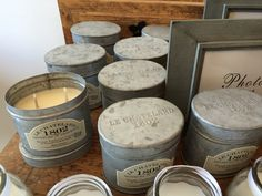 Chatellardin tuoksukynttilät myydään Ranskalaisessa Kyläkaupassa peltirasioissa.