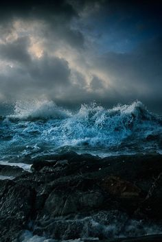Nice to meet you. : Photo … Nice to meet you. No Wave, Ocean Photography, Landscape Photography, Stürmische See, Stormy Sea, Stormy Waters, All Nature, Sea Waves, Jolie Photo