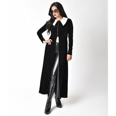 Folter Black Velvet Long Sleeve High Priestess Maxi Coat (340 RON) ❤ liked on Polyvore featuring black and folter