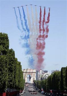 Happy Bastille day 2013 everyone ! So in love with le 14 juillet :) - Patrouille de France