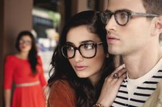 Latest Eyewear Trends: 2019 Most Popular Fashion Frames - Vint&York Best Eyeglasses, Eyeglasses For Women, Cheap Prescription Glasses, Glasses For Round Faces, Round Face Sunglasses, Glasses Trends, Eyewear Trends, La Mode Masculine, Brown Skin