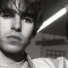 I need to meet this man. it's a urgent must! Gene Gallagher, Lennon Gallagher, Liam Gallagher Oasis, Liam And Noel, Indie Boy, Britpop, Pretty Boys, Other People, The Beatles