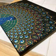Painting all in dots. Peacock Wall Art, Peacock Painting, Dot Art Painting, Mandala Art Lesson, Mandala Drawing, Mandala Painting, Mandala Canvas, Mandala Dots, Mandala Design