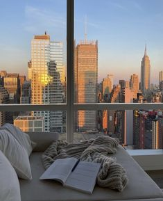 Apartment View, Dream Apartment, York Apartment, New York Life, Nyc Life, Apartamento New York, City Vibe, Window View, City Aesthetic