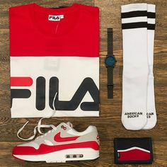 Texas   Featuring  Fila Nixon American Socks Vans Nike   Disponibili in  store e online 7cc150e55a1d