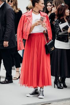 PARIS FASHION WEEK 2017: OLIVIA'S FAVOURITE STREET STYLE TRENDS - Olivia Lazuardy