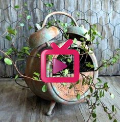 Ausgefallene Gartendeko selber machen - 60 Upcycling Gartenideen! Branches, Christmas Ornaments, Holiday Decor, Diy, Home Decor, Log Projects, Repurpose, Creative, Decoration Home