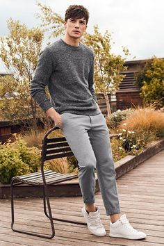 Why mens fashion casual matters? But what are the best mens fashion casual tips out there that can help you […] Outfit Hombre Casual, Dress Casual, Grey Outfit, Stylish Mens Outfits, Men's Casual Outfits, Casual Wear For Men, Men's Casual Fashion, Men Casual Styles, Hipster Outfits Men