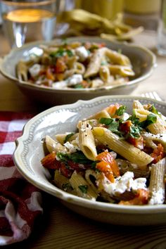 Sundried Tomato, Basil and Goats Cheese Pasta | DonalSkehan.com
