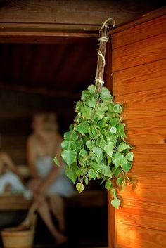 Vasta vai vihta?/Birch whisk used in sauna Sumiainen  Kuva/Photo: Maalla / Hanna-Kaisa Hämäläinen  http://www.facebook.com/MatkaMaalle  http://www.keskisuomi.net/  http://www.centralfinland.net/
