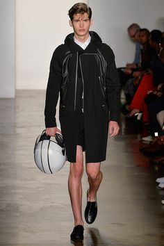 See all the Collection photos from Tim Coppens Spring/Summer 2014 Menswear now on British Vogue Fall Winter 2014, Spring 2014, Summer 2014, Spring Summer, Tim Coppens, Fashion Show, Mens Fashion, Fashion Design, Sports Luxe