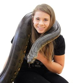 Bindi Irwin brought a giant anaconda snake to Dancing With the Stars rehearsal -- check out the exclusive photos to see Val Chmerkovskiy's reaction!