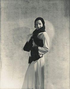 """Madeleine Vionnet : « When a woman smiles, the dress must smile with her » - """"Quand une femme sourit, la robe doit sourire avec elle."""""""