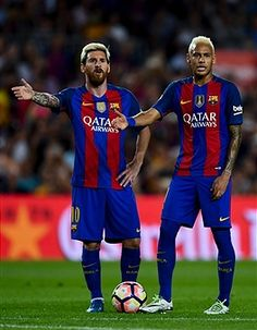 Neymar JR Photos - Lionel Messi (L) and Neymar Jr. of FC Barcelona react during the La Liga match between FC Barcelona and Deportivo Alaves at Camp Nou stadium on September 2016 in Barcelona, Spain. - FC Barcelona v Deportivo Alaves - La Liga Lionel Messi, Messi And Neymar, Fc Barcelona Neymar, Barcelona Players, Real Madrid Players, Best Football Players, Good Soccer Players, Football Memes, Neymar Jr